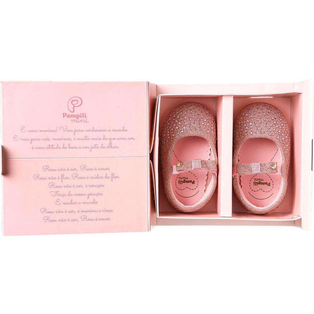 Caixa com sapatilha para bebê meu primeiro cor de rosa da Pampili