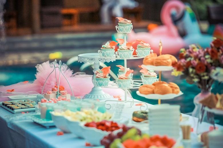 Mesa de Mesversário com Cupcakes